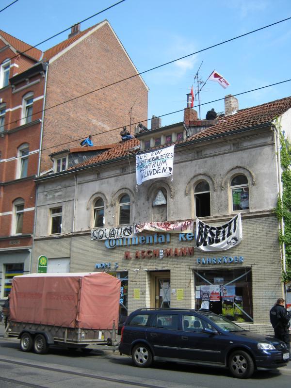 Räumung der Limmerstraße 98 im Juni 2011