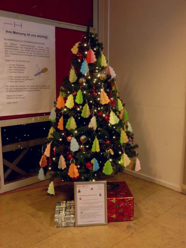 Wunsch-Weihnachtsbaum im Freizeitheim