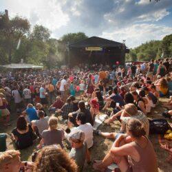 Fährmannsfest 2013 - Super Wetter und tolle Stimmung vor der Musikbühne