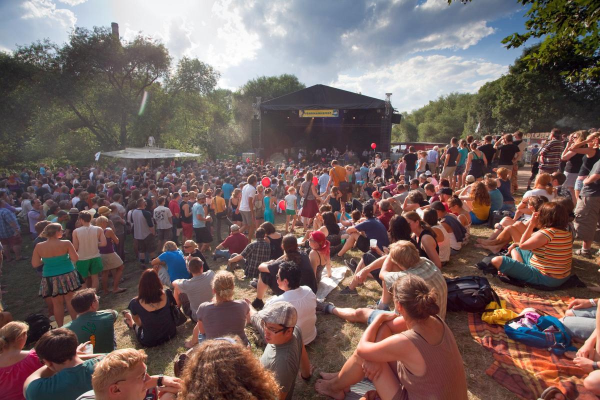 Musikbühne beim Fährmannsfest 2013