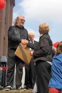 Bezirksbürgermeister Grube bei der Eröffnung des Kindermuseums