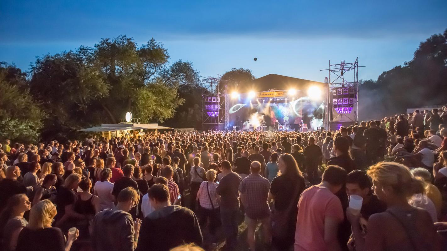 Musikbühne beim Fährmannsfest 2014