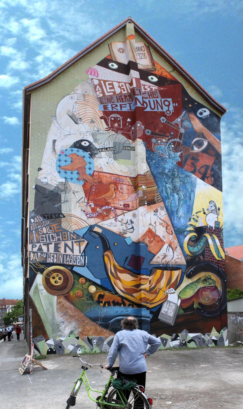 strebt vorwärts: Schwitters-Wandbild in der Velberstrasse