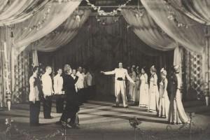Szenenfoto Die Lustige Witwe - Thalia Theater Hannover Linden - September 1947 (Foto: Atelier Weckbrodt, Quelle: Sammlung Horst Deuker)