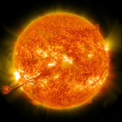 Unsere Sonne (Foto: NASA Goddard Space Flight Center, Coronal mass ejection erupts on the Sun, 31 August 2012, CC BY 2.0)
