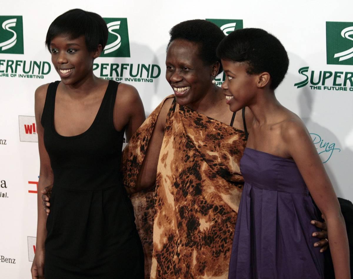 Esther Mujawayo und zwei ihrer Töchter bei den Women's World Awards 2009 in der Wiener Stadthalle (Foto: Manfred Werner - Wikipedia)