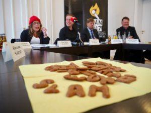 Ninia Binias, Jörg Smotlacha, Harald Härke und Henning Chadde bei der Pressekonferenz