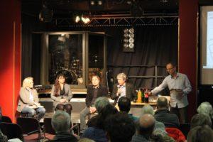 Auf dem Podium: Astrid Ries, Katrin Göllinger, Daniel Gardemin und Heiner Monheim (vlnr)