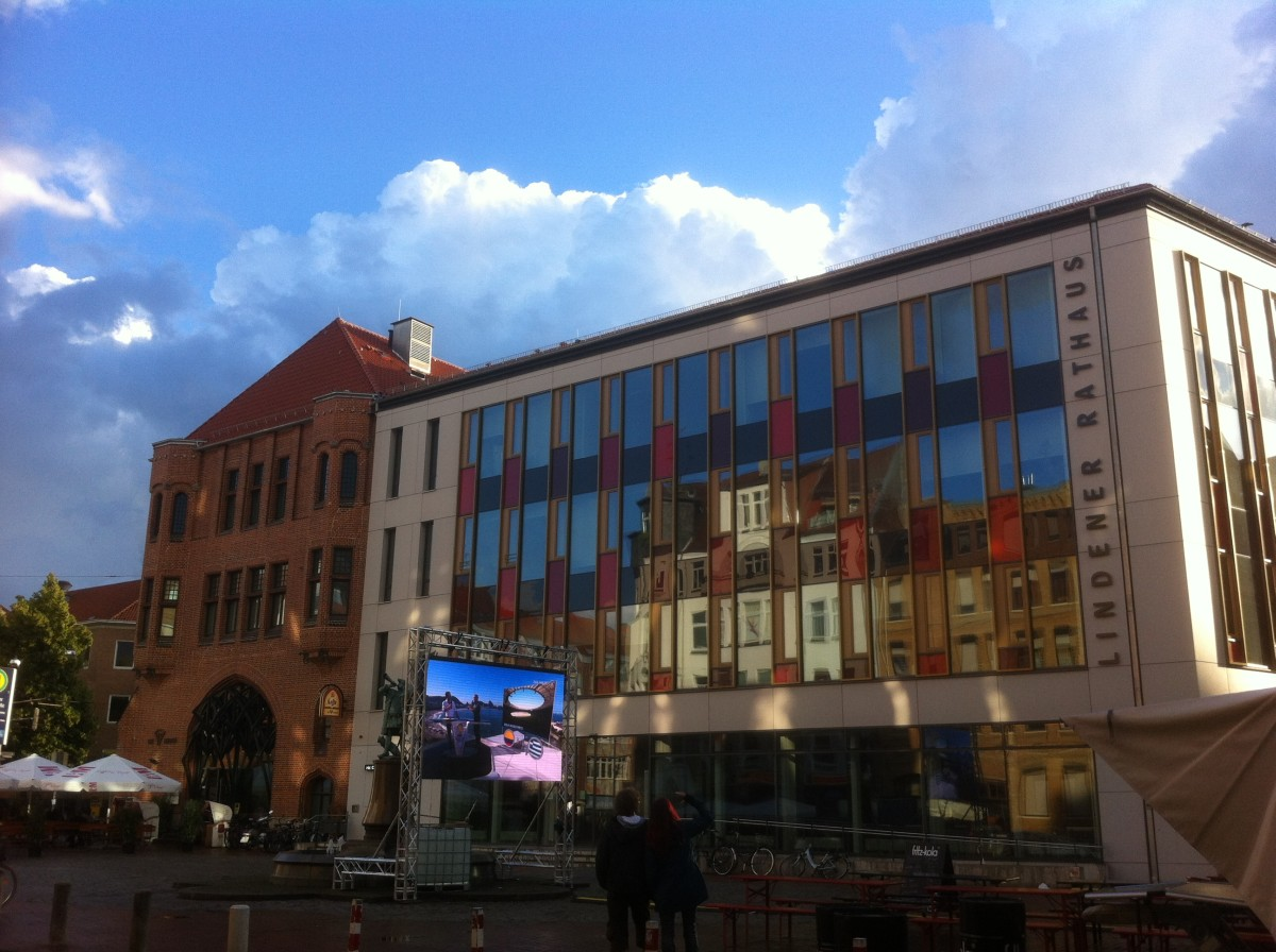 Public Viewing auf dem Lindener Markt