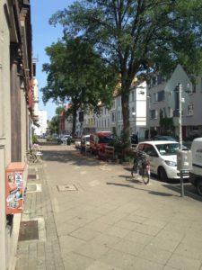 Fahrradbügel in der Deisterstraße zu dicht am Fahrbahnrand?