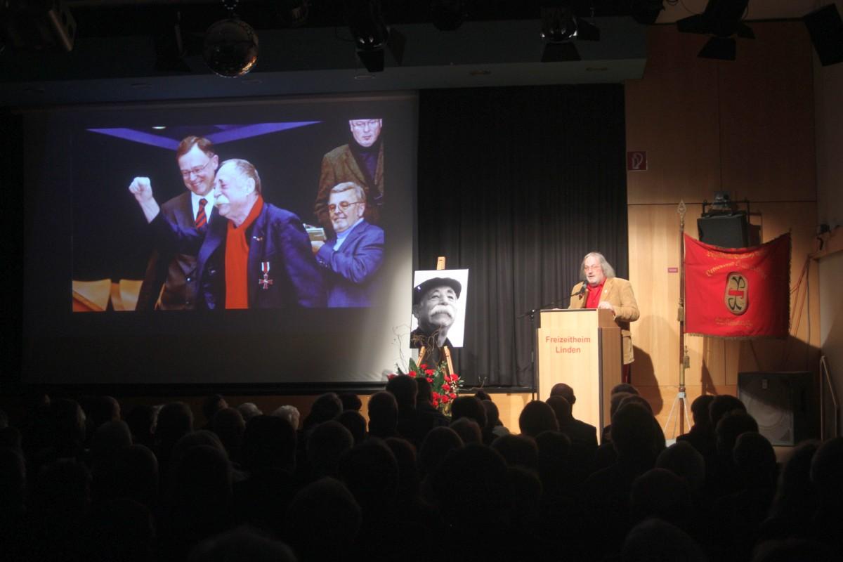Eröffnung durch Bezirksbürgermeister Rainer Grube