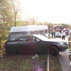 Unfall an der Schwanenburgkreuzung fordert drei Verletzte