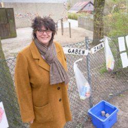 Gabenzaun für Bedürftige in Limmer am Kindergarten Ratswiese