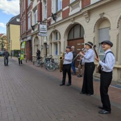 Video: Gute-Laune-Musik live aus der Weberstraße