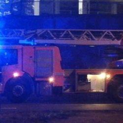 Schlüsseldienst benötigt noch 30 Minuten – Mieter alarmiert Feuerwehr