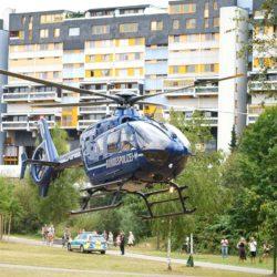 Hubschrauber der Bundespolizei landet am Peter-Fechter-Ufer