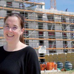 St.-Nikolai-Pastorin Rebekka Brouwer beteiligt sich an der Entwicklung der neuen Wasserstadt Limmer.