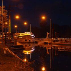 Schiff in Richtung Lindener Hafen