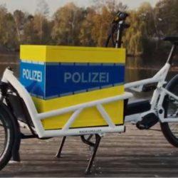 Kontaktbeamte des Polizeikommissariats Limmer erhalten Lastenrad