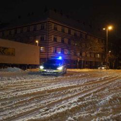 Lkw-Bergung im Schnee